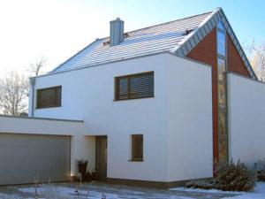 muennich_Enfamilienhaus-Ulbricht_Dessau_Ansicht-Eingangsseite_425x319px_eigentlich-zu-klein