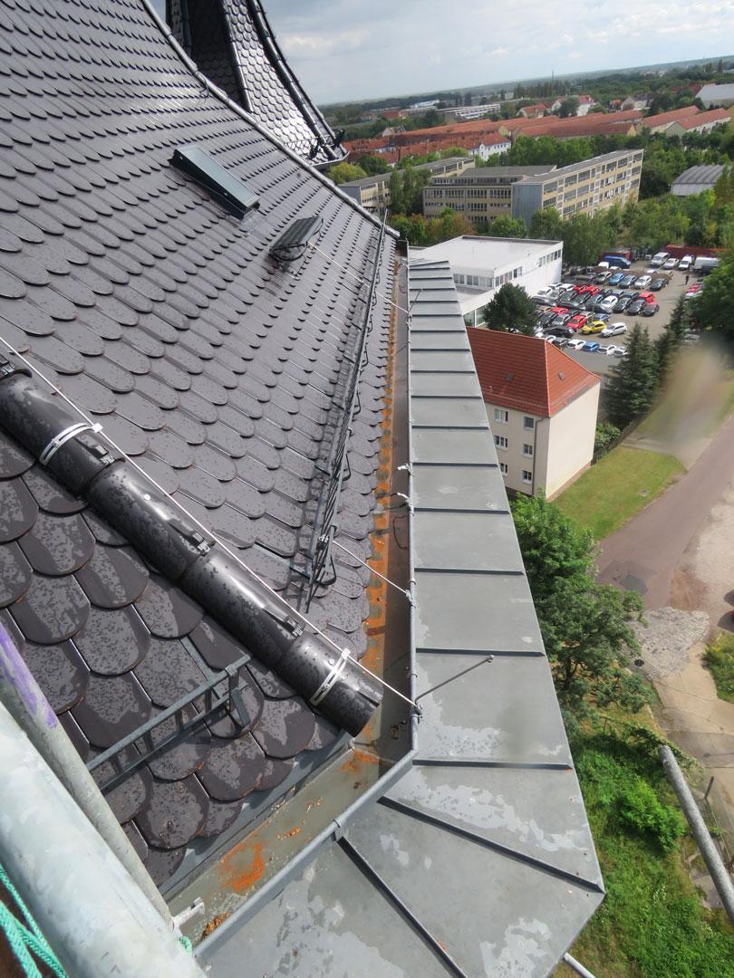 muennich_Neuer-Wasserturm_Dessau_Treppensanierung_Wiederaufgesetztes-Erkerturmdach_810x1080px
