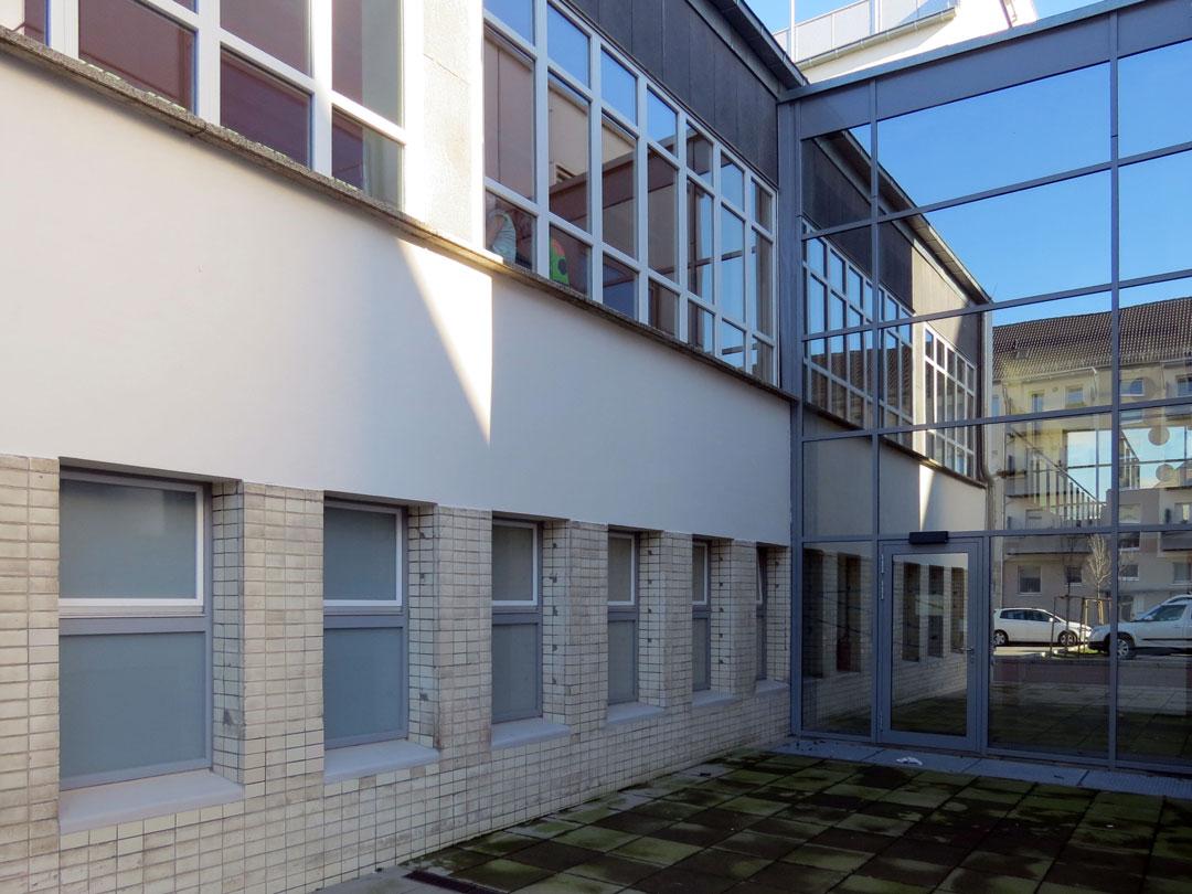 muennich_Sporthalle_Philantropinum_Dessau_Glaszwischenbau-am-Sport-und-Kurshaus_1080x810px