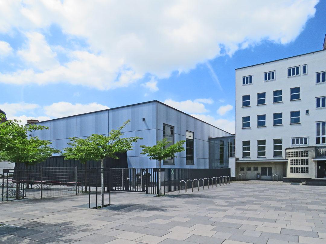 muennich_Sporthalle_Philantropinum_Dessau_Nordostansicht_1080x810px