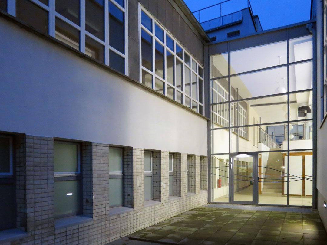 muennich_Sporthalle_Philantropinum_Dessau_Westeingang_1080x810px