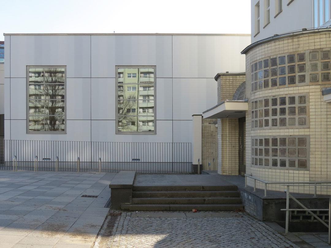 muennich_Sporthalle_Philantropinum_Dessau_Eingang-denkmalgeschuetztes-Sport-und-Kurshaus_1080x810px