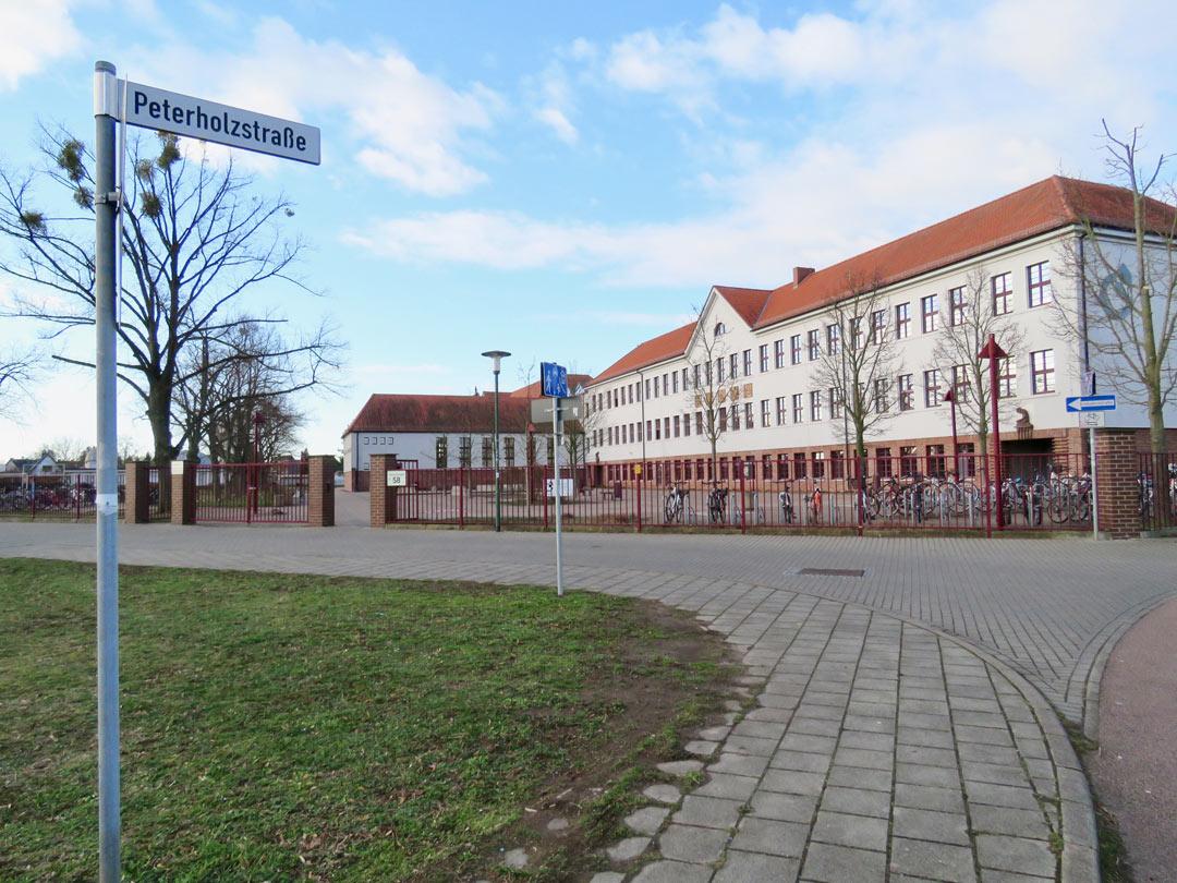 muennich_Sporthalle Damaschkestrasse_Gymnasium_1080x810px