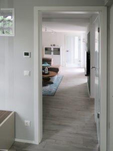 muennich_Eingangsbereich-Wohnraum_810x1080px