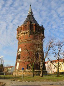 muennich_Wasserturm-Frühjahr-2019_810x1080px